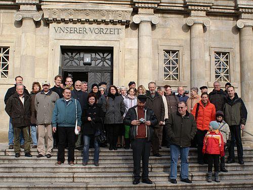 Ein Teil der Gruppe vor dem Landesmuseum für Vorgeschichte Halle