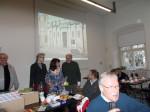 Abb. 1: Letzte Vorbereitungen des Vorstandes und einiger Mitglieder kurz vor Veranstaltungsbeginn (Foto: U. Tichatschke).