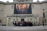 Abb. 1: Gruppenbild vor dem Landesmuseum für Vorgeschichte in Halle (Foto: M. Poppe).