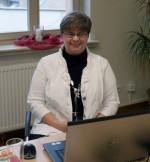 Abb. 1: Frau Poppe bereitet sich auf ihren Vortrag vor (Foto: I. Vahlhaus).
